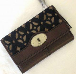 Fossil Maddox Signature Flap Clutch Wallet NWT Tri fold Wallet Style