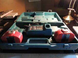 Makita Power Tools Battery Charger Plus 2 Batteries and Case