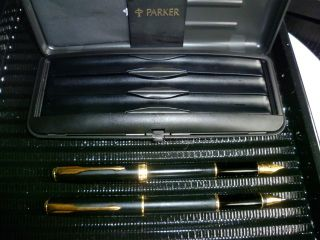 Parker Sonnet Fountain Pena ND Rollerball Set in Matt Black and Gold