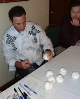 MIKE MATHENY SIGNED GOLD GLOVE BASEBALL PROOF ST LOUIS CARDINALS