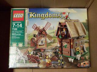 LEGO Mill Village Raid Castle 7189 6 minifigures mini figs figures