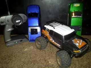 Losi Mini LST 4x4 4WD Radio Controlled Truck RTR with Extra Bodies