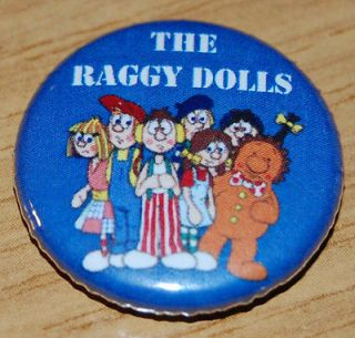 THE RAGGY DOLLS 25MM / 1 INCH BUTTON BADGE RETRO KIDS TV 80s CLASSIC