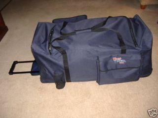 Hockey Gear Bag   3 Wheels 40 Telescopic Handle New