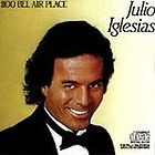 Julio Iglesias Elizabeth Garcia 1984 First Edition Soft Cover