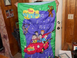 SLEEPING BAG W/STORAGE BAG HAS ALL CHARACTERS & BIG RED CAR DOR,WAGS