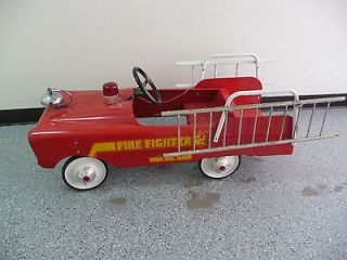 FIRE CHIEF #508 large vintage pedal car
