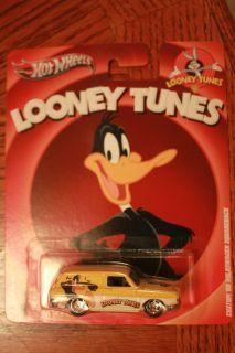 Hot Wheels 2013 Looney Tunes Daffy Duck Custom 69 VW Squareback Yellow