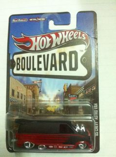 Hot Wheels Boulevard 2013 Astro Van 85 Chevy New Casting Extremly Rare