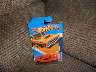 Hot Wheels 2012 Muscle Mania Mopar 69 Dodge Coronet Super Bee 4 10 84