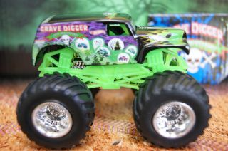 Hot Wheels Monster Jam Truck Grave Digger 20th Anniversary