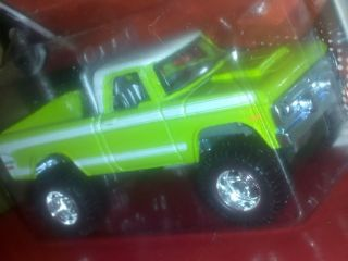 HOT WHEELs GARAGE 70 DODGE POWER WAGON REAL RIDERS J CASE SUPER HUNT