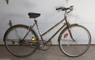AMF Roadmaster 3 Speed Girls Womans Bicycle Bike 26 inch Wheels