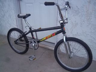 GT Old School BMX Bike Black  Santa ANA  20 Wheels Size