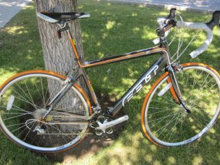 New Felt Carbon Z6 Road Bike 56cm w Shimano 105 Mavic Wheels