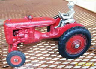 Arcade Cast Iron Farmall A Cultivision Toy Tractor 705