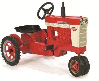 Farmall 560 Pedal Tractor w Spoke Rims NIB Made in USA Unassembled