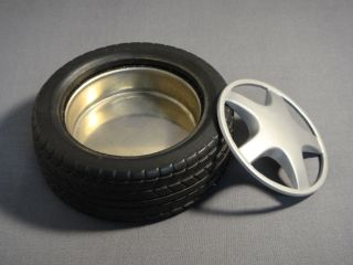 Automobile Car Tire 4 Ashtray with Removable Rim New
