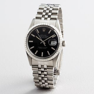 Mens Rolex Datejust Stainless Steel Watch w Engine Turned Bezel FV12A